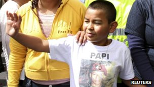 Johan Martinez, son of killed hostage Jose Martinez, campaigning for his release in 2009