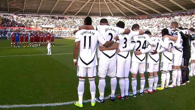 Swansea and Aston Villa observe a tribute to Gary Speed