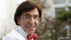 Elio Di Rupo, head of Belgium&#039;s French-speaking Socialists, arrives for talks with political parties in Brussels 30 November 2011.