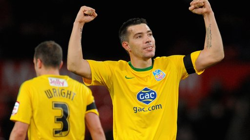 Darren Ambrose celebrates his goal for Crystal Palace at Manchester United