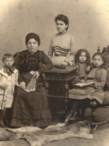 The Flatto family in 1902
