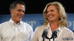 Mitt Romney (left) and his wife, Ann Romney, in Exeter, New Hampshire on 3 November 2011