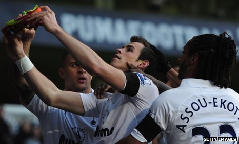 Gareth Bale pays tribute to Gary Speed after scoring for Tottenham