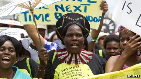 Climate change protesters march in Durban, 3 December 2011