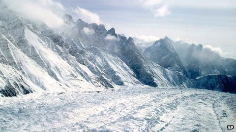 Aerial view taken in 2005 of the Siachen Glacier between India and Pakistan in the Himalayas