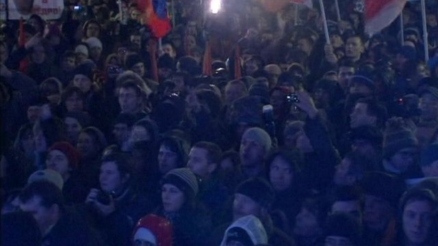 """Crowds chant """"Russia without Putin!"""""""