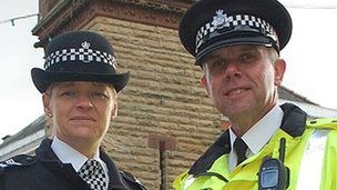 Sgt Alison Lee and Insp Dave Lea