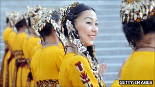 Turkmen dancers in traditiona dress