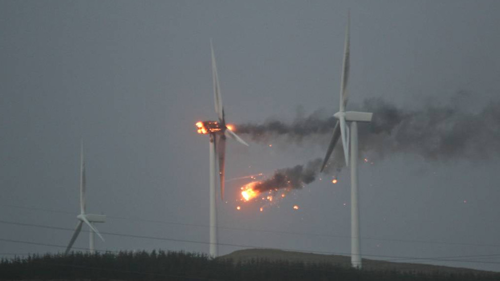 _57213585_winturbinefire976by549.jpg