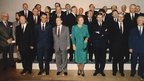 Queen Beatrix of the Netherlands (C) poses with EU leaders and foreign ministers at Neercanne Castle near Maastricht (9 Dec 1991).