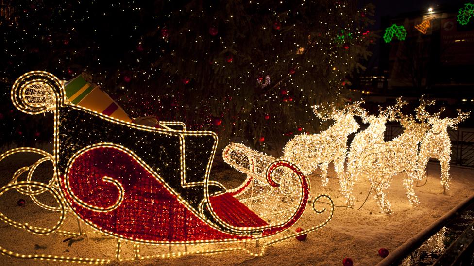 reindeer and sleigh christmas lights. Black Bedroom Furniture Sets. Home Design Ideas