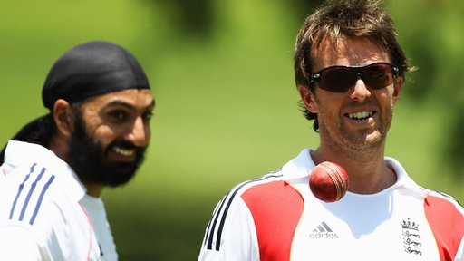 England spinners Monty Panesar and Graeme Swann