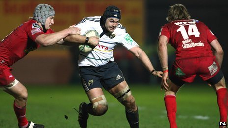 Flanker Niall Ronan scored Munster's only try at Parc y Scarlets