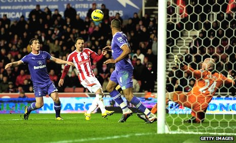 Matthew Etherington doubles Stoke&#039;s lead against Tottenham