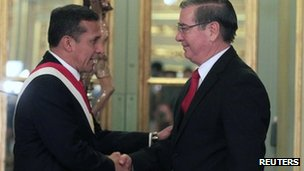 Peruvian President Ollanta Humala swears in new Prime Minister Oscar Valdes