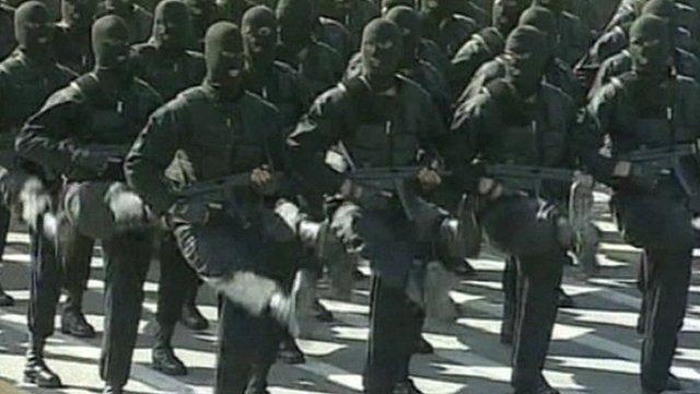 Iran's elite forces: Yegan-e-vizheh, marching