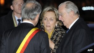 Belgium's Queen Paola and King Albert II meet local officials in Liege (13 Dec 2011)