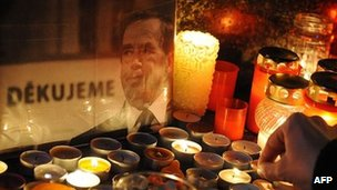 Candles lit in tribute to Vaclav Havel in Prague. 18 Dec 2011