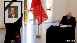 Vaclav Klaus, and portrait of Vaclav Havel