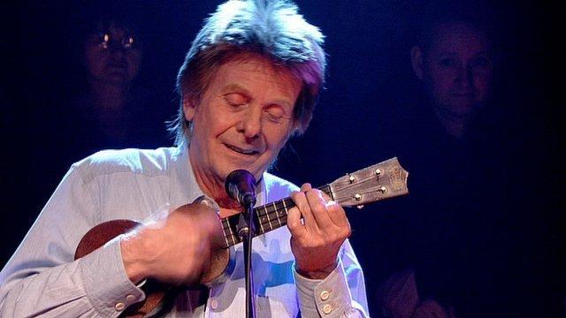 Joe Brown playing on Jools Holland