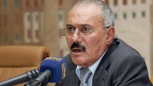 Yemeni President Ali Abdullah Saleh speaks at a meeting with leaders of the ruling party in Sanaa on December 7, 2011