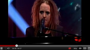 YouTube footage of Tim Minchin on the Jonathan Ross Show