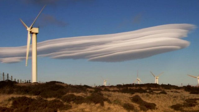 Lenticular clouds 