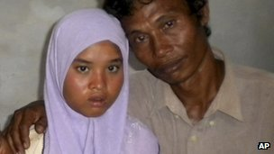 Meri Yulanda with her father
