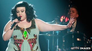 Beth Ditto in Egyptian-inspired dress