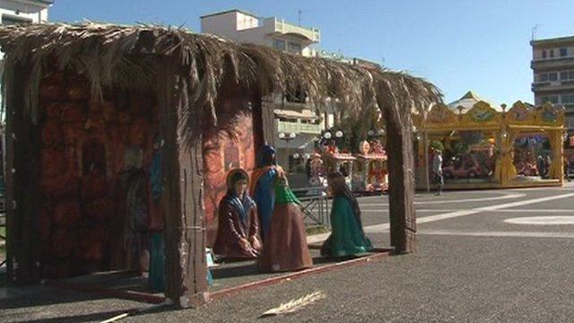 Near-deserted Christmas fair in Sparta centre