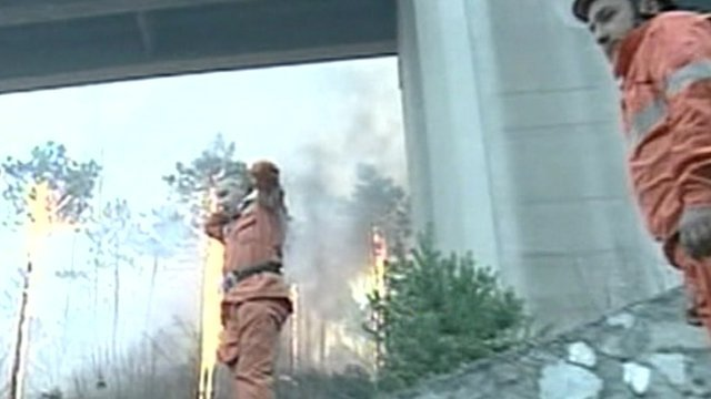 Firefighters tackle the Liguria fires