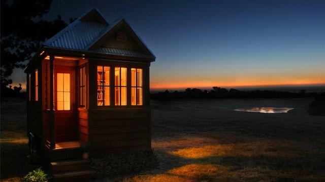 Домик принадлежит Джею Шеферу,основателю и шеф-дизайнеру компании Tumbleweed Tiny House,которая специализируется на...