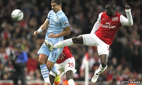 Emmanuel Frimpong against Manchester City in the Carling Cup