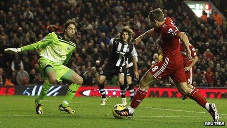 Steven Gerrard scores Liverpool's third goal