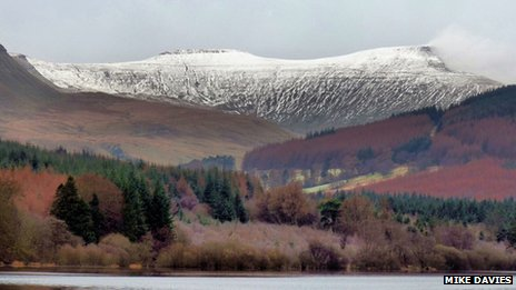 December snow on the Brecon Beacons ( Mike Davies, Cadoxton, Neath, 2009)