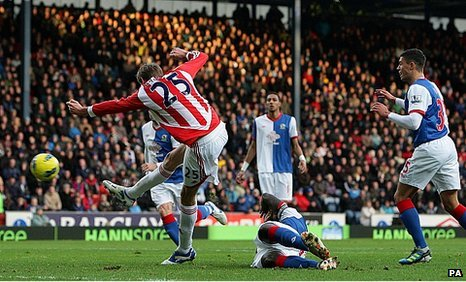 Peter Crouch puts Stoke 1-0 up at Blackburn