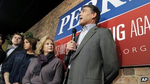 Texas Governor Rick Perry speaks in Fort Dodge, Iowa, 31 December 2011