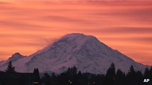 File photo of Mount Rainier 2 January 2012