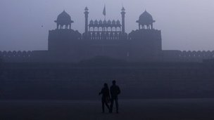 Delhi's Red Fort covered in dense fog on 3 January 2012