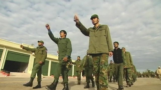 Soldiers in Libya practice their drills