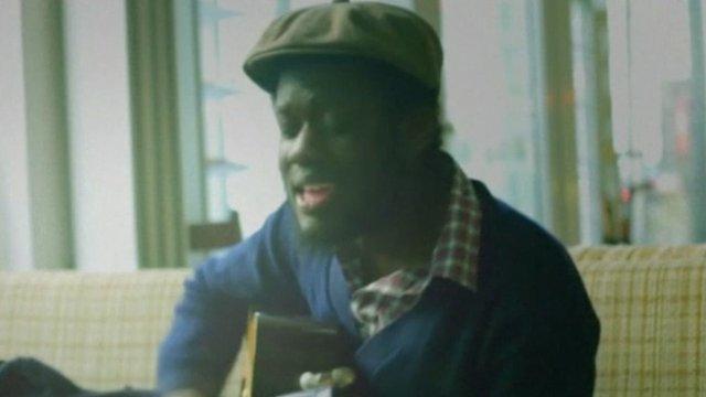 Michael Kiwanuka sings