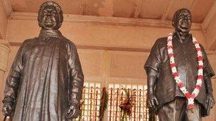 Mayawati statue at the park in Lucknow (Photo: Krishan Saith)