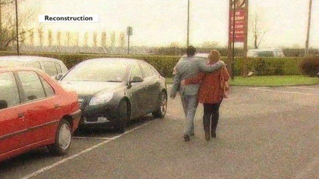 A couple under surveillance - Reconstruction