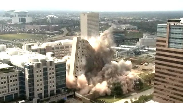 Skyscraper demolished in Houston