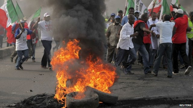 Protesters and burning tyres in Lagos