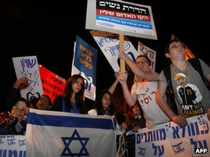 Israelis protest against gender segregation and violence towards women by ultra-Orthodox extremists (27 December 2011)