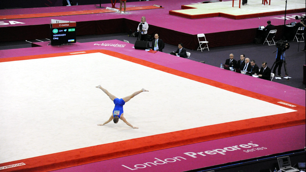 Bbc news london 2012 images from gymnastics olympic for Floor gymnastics