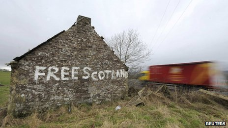 Free Scotland painted on a derelict building