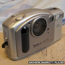 Kodak DC210 - photo courtesy of Andrew Barnett, KrazyBee on Flickr