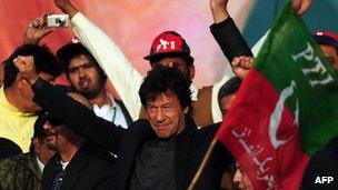 Imran Khan in Karachi (25 December 2011)